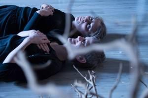 Rosemary (Elisabetta Scarano) and Violet (Bianca Pugno Vanoni)